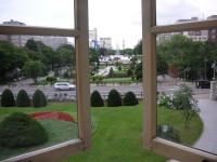 札幌資料館2階から見た大通公園・一番奥にテレビ塔