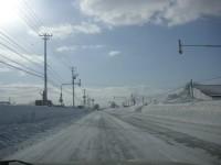 両脇の雪は2mを超えている