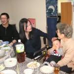 おばあちゃんのお膝だいすき!