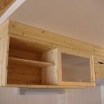キッチン台の上の棚