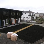 菜園の前のガーデンスペース