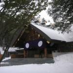 吹雪の合間の神殿