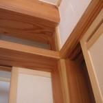 二階の梁と襖(ふすま)