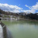 ダム湖から下流へ